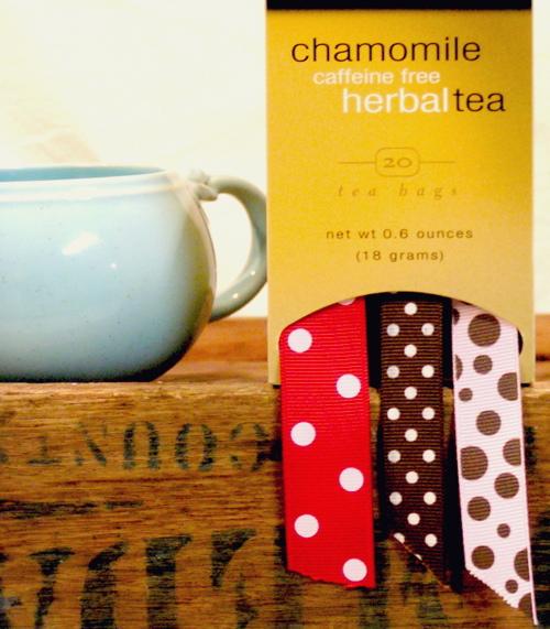 tea box ribbon holder