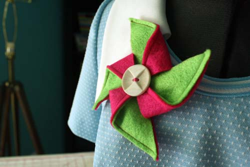 make a pinwheel brooch done