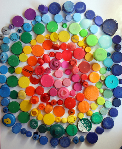 4 Clever Bottle Cap Crafts