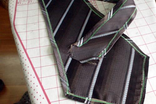 necktie cowl stitching