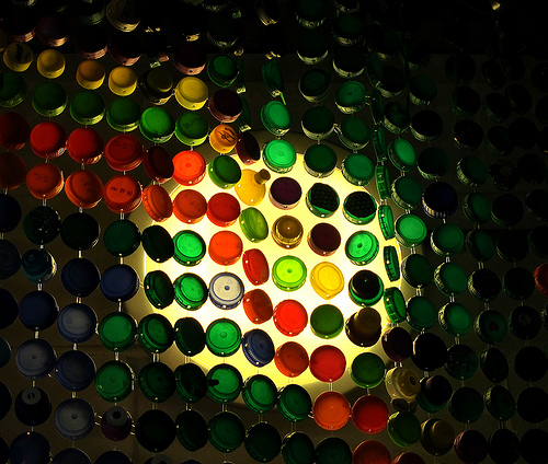 4 Clever Bottle Cap Crafts