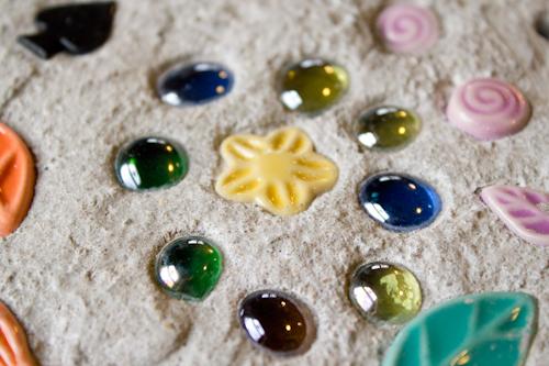 How to diy mosaics no kits just concrete crafting a green world solutioingenieria Choice Image