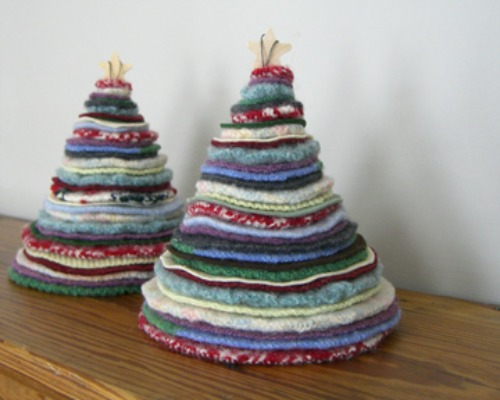 christmas tree projects from recycled materials - Recycled Christmas Decor
