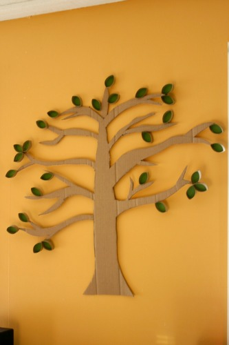 DIY Cardboard and Toilet Paper Roll Tree