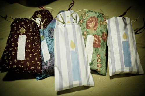 Holiday Gift Wrapping: Easy Drawstring Bag