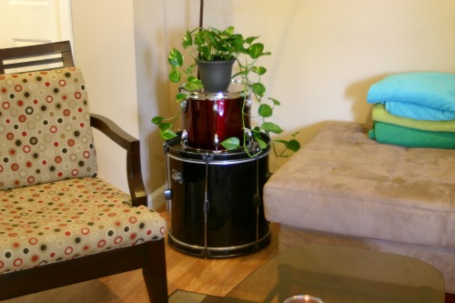 How To: Upcycle an Old Drum into a Side Table