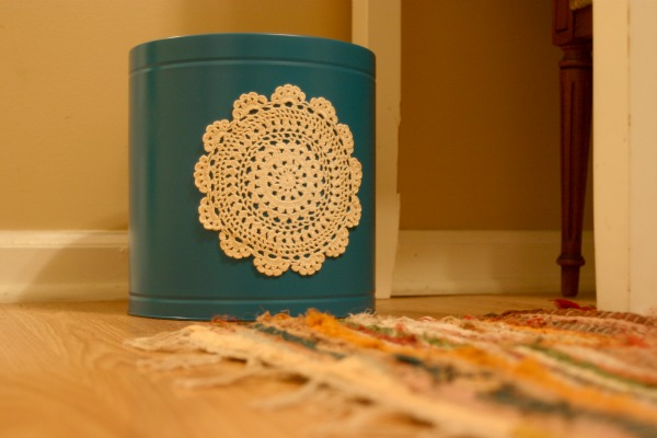 Recycle a Popcorn Tin into a Trash Can!