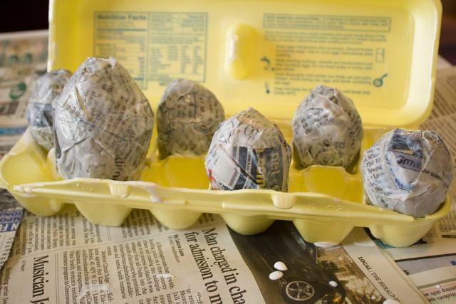 Let the papier mache eggs dry.