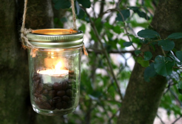 Mason Jar Lantern in 3 Steps (no drilling required)