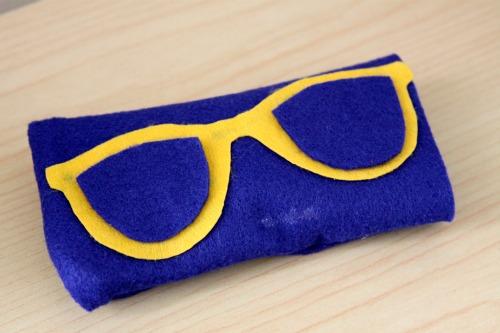 How To: Make a No Sew Sunglasses Case