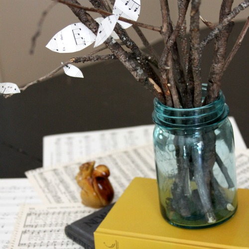 Create an Easy and Eco-Friendly Centerpiece With Only 5 Items
