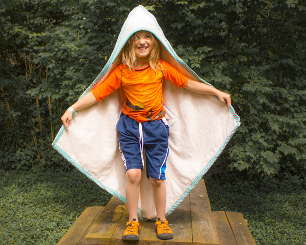 organic terrycloth hooded towel with applique (2 of 2)