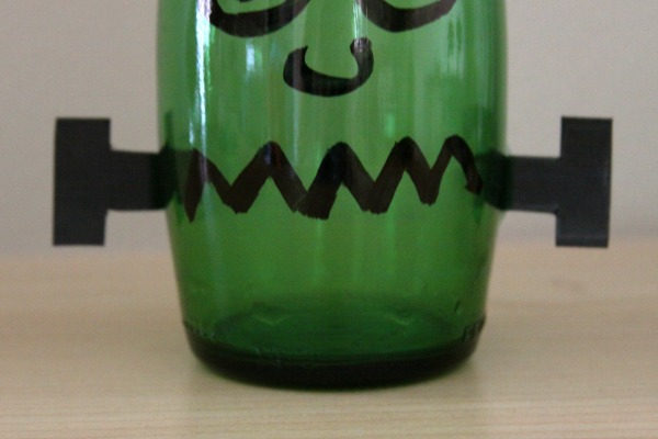 Halloween Crafts: Upcycle a Bottle into Frankenstein