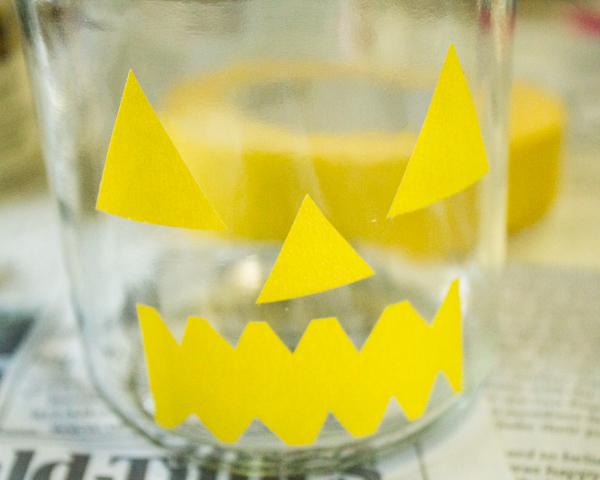 DIY Halloween Decorations: Boo Bottles