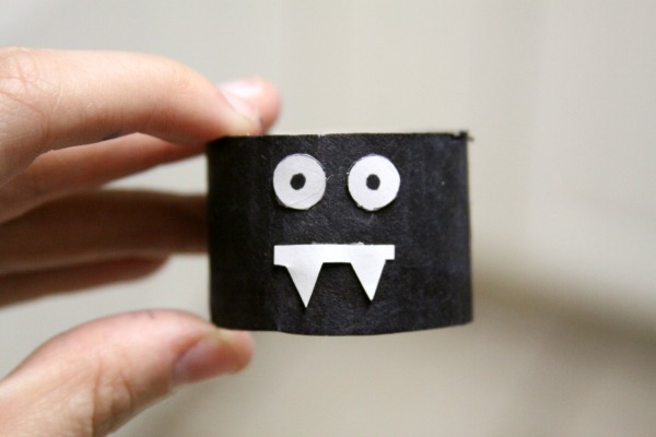 Crafts for Kids: A Toilet Paper Roll Bat!