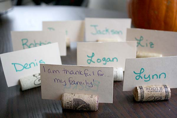 Thanksgiving Crafts: Gratitude Place Cards
