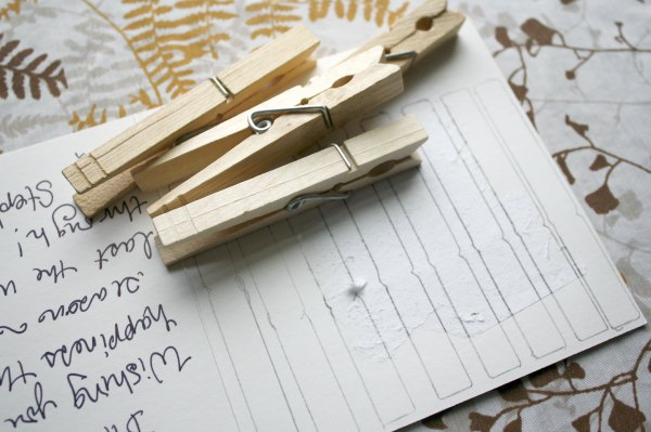 Christmas Card Crafts: Covered Clothespins