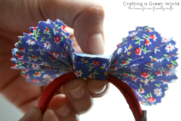 DIY Pet Projects: Make a Fabric Bow for Your Pet's Collar