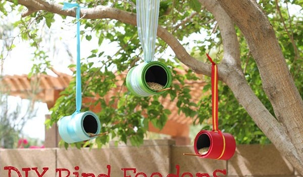 how to make a bird feeder from an empty paint can