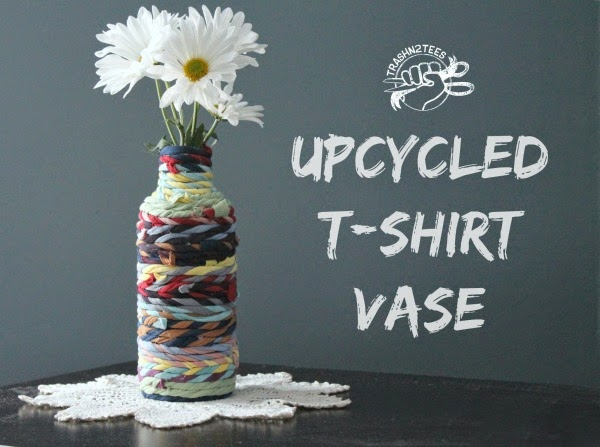 Spotted: Recycle a T-Shirt into a Rope Vase