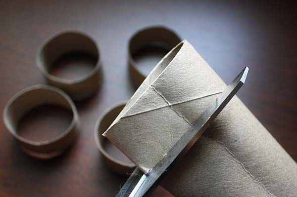Napkin Rings from a Paper Towel Tube