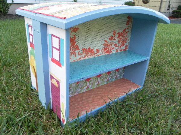 Upcycled Dollhouse from Drawers