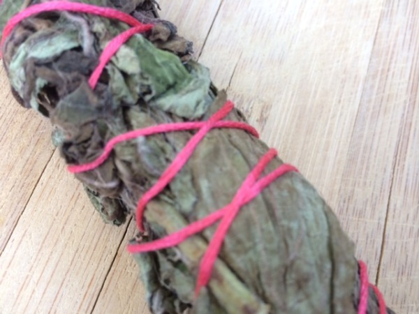 Halloween Craft: How to Make a Smudge Stick