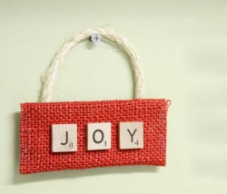 26 Upcycled Christmas Crafts