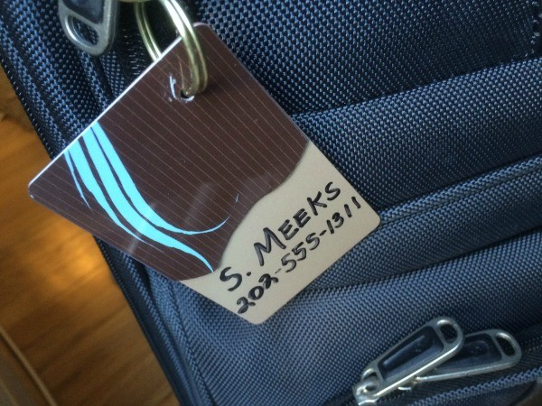 DIY Luggage Tags Made from Old Hotel Room Keys