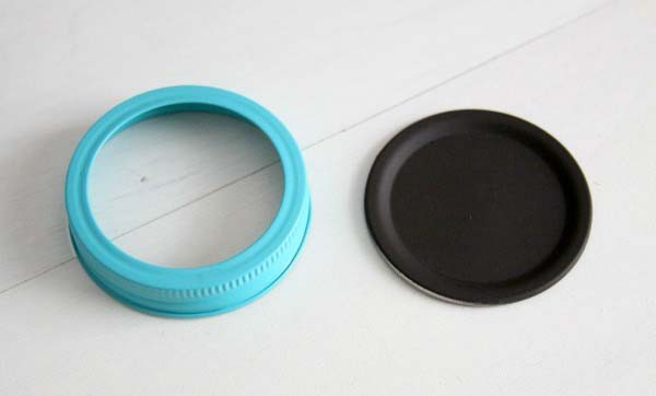 Make DIY Mini Magnetic Chalkboards from Mason Jar Lids