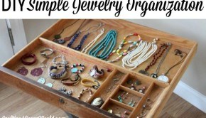 Need some DIY storage ideas for your jewelry? Here's how to organize jewelry with a common yard sale find.