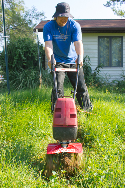 Here is my personal evaluation of the electric tiller as compared to some of my other favorite garden-clearing methods. Is an electric tiller for you? Read on and see!