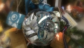 "Upcycled Christmas Crafts: Filling clear glass ornaments is no sweat for most crafters. But I've got some out of the ""globe"" ideas that will set yours apart from the rest!"