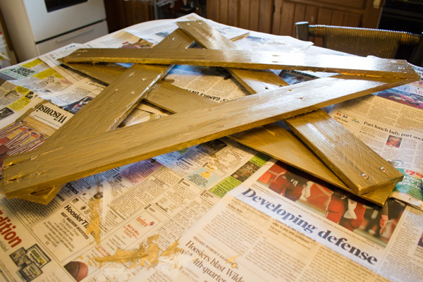 Upcycled Porch Star from Crafting with Wood Pallets
