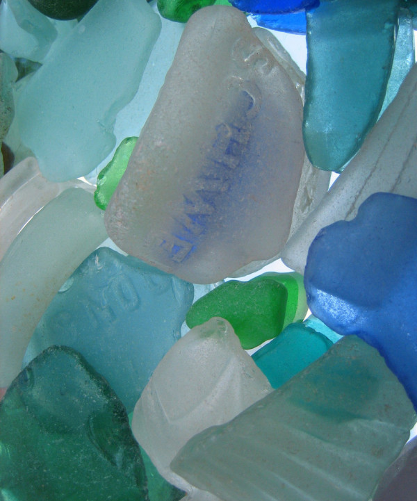 Sea Glass Crafts image via Akuppa John Wigham