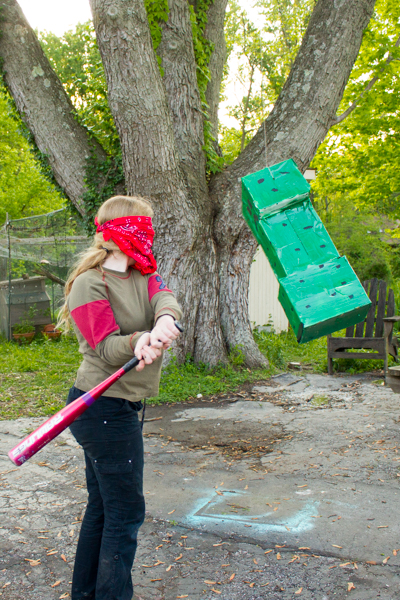 Minecraft Crafting: DIY Creeper Pinata