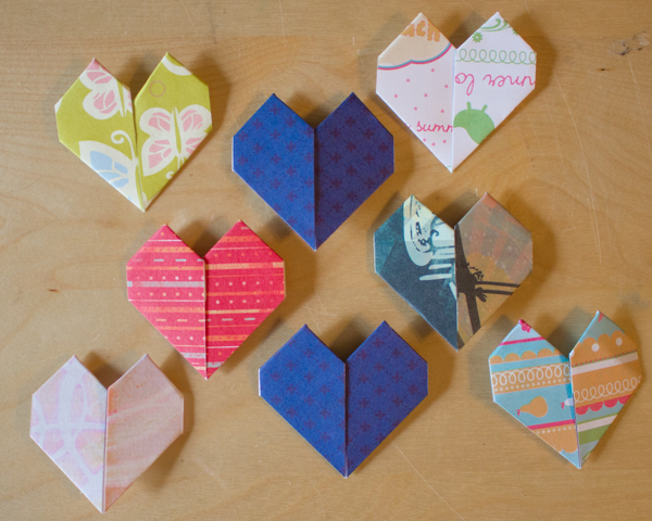 Make origami hearts with this quick and easy method.