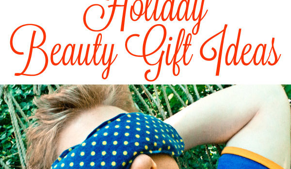 Treat the folks on your holiday list to some DIY beauty gifts!