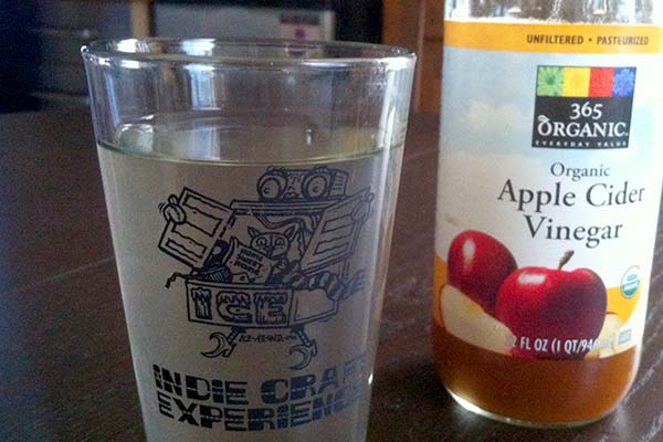Natural Cold and Flu Remedies: Apple Cider Vinegar Water