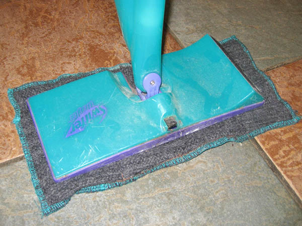 Our Swiffer has been living in the closet for quite some time now, but we recently pulled it out again, and I made some DIY Swiffer pads for it!