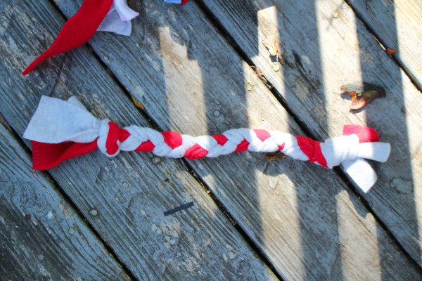 40 Diy Upcycled Cat And Dog Toys Crafting A Green World
