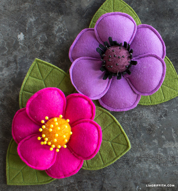 How to Make a Pincushion: 40 Projects • Crafting a Green World